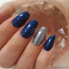 Metallic blue gel nails glitter design for nail inspiration