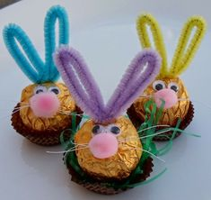 Ostern basteln mit Kindern Ferrero Rocher Easter Bunnies Kids Internet Safety and MySpace - Be Caref Birthday Basket, Birthday Table, Easter Table, Easter Party, Ferrero Rocher, Spring Crafts, Holiday Crafts, Happy Easter, Easter Bunny