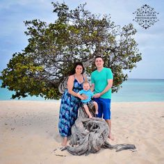 A Magoon family portrait by the famous Aruba Divi Tree