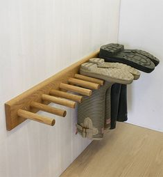 Old wood can be used to make welly / boot rack boot room! Garage Organization, Garage Storage, Organization Ideas, Garage Shoe Rack, Shoe Racks, Wall Shoe Rack, Utility Room Storage, Organizing Tools, Organized Garage