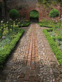 Greys Court walled garden, stone and brick path. The National Trust - Greys Court walled garden, stone and brick path. The National Trust - Path Design, Landscape Design, Design Ideas, Driveway Design, Diy Design, Interior Design, Modern Design, Most Beautiful Gardens, Amazing Gardens