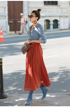 Street Style Looks to Copy Now - FROM LUXE WITH LOVE olga shk olga_shk street style Street style fashion / fashion week olga shk Street style fashion / fashion week # Street Style Outfits, Mode Outfits, Street Style Looks, Skirt Outfits, Casual Outfits, Fashion Outfits, French Fashion Street Style, Maxi Dresses, Fashion Tips
