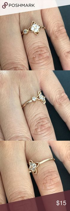 Fashion ring Adorable dainty ring. Five separate gems. No tarnish. Jewelry Rings