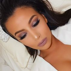 Mauve   Eyes: @urbandecaycosmetics naked palette 3  Lips: @gerardcosmetics lipstick 'Underground' mixed with hydra matte 'Invasion'