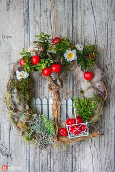 ideas for birthday ideas japan ideas courtyard decor ideas joanna gaines wedding decor and ideas decor ideas 2019 ideas with ladder ideas gazebo Easter Wreaths, Holiday Wreaths, Holiday Decor, Christmas Decor, Diy Wreath, Door Wreaths, Picture Frame Wreath, Spring Projects, Summer Wreath