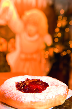 Kiachl is one of the most famous dishes on a christmas market. You can choose between 2 alternatives, a sweet one with jam or salty with sauerkraut