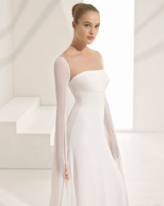 Beautifully Timeless Rosa Clara Wedding Dresses Couture 2018 Collection - MODwedding - Courtesy of Rosa Clara Wedding Dresses;es Source by - Rosa Clara Wedding Dresses, Wedding Dresses 2018, Boho Wedding Dress, Designer Wedding Dresses, Wedding Dress Styles, Bridal Dresses, Bridesmaid Gowns, Chic Wedding, Wedding Hair