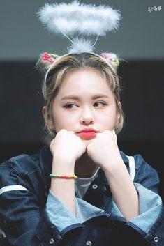 South Korean Girls, Korean Girl Groups, Somebody To You, Go To Walmart, Female Reference, Yuehua Entertainment, My Crush, Hush Hush, K Idols