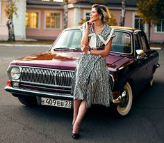 Volga Girls - English Russia Mode Masculine, Style Masculin, Automobile Industry, Costume, Old Models, Old Cars, Russia, Classic Cars, English
