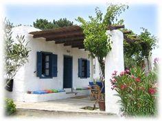 Mediterranean homes – Mediterranean Home Decor Spanish House, Spanish Style, Adobe Haus, Small Beach Houses, Mexico House, Greek House, Mediterranean Homes, Beach House Decor, Traditional House