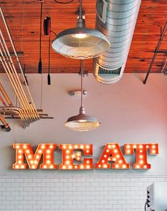 Portland, Olympic Provisions greets you with MEAT as you enter. [via Nubbytwiglet ] Restaurant Branding, Restaurant Design, Carnicerias Ideas, Shop Ideas, Receta Bbq, Butcher Store, Meat Store, Meat Markets, Café Bar