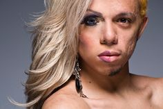 Portraits de moitie de visages en drag queen