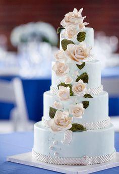 Wedding Cake Rose Cascad