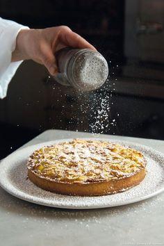 Recette de fine tarte sablée aux pommes et aux amandes de Christine Ferber.