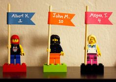 Lego place cards: A DIY wedding tribute to a favorite childhood toy Lego Wedding, Wedding Name, Diy Wedding, Wedding Venues, Wedding Ideas, Wedding Personal Touches, Deco Lego, Wedding Consultant, Lego Birthday Party