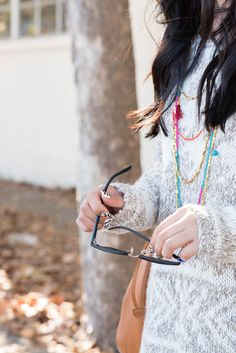 chunky sweater // tassel necklace