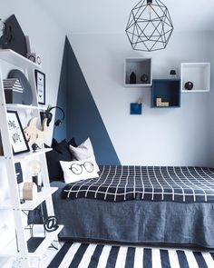 Big boy room 💙 Gutta skal få pynte rommene sine selv til jul- deler bilde før pynten er på plass 🙊😂 ~~~~~~~~~~~ Cool Bedrooms For Boys, Boys Bedroom Decor, Small Room Bedroom, Girls Bedroom, Bedroom Ideas, Big Boy Rooms, Baby Rooms, Boy Room Paint, Boys Room Design