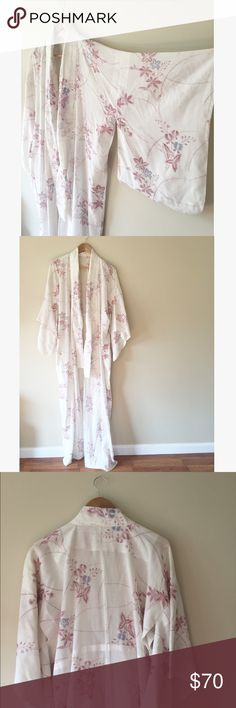 "Vintage linen floral Japanese kimono robe I found this gorgeous vintage piece at my favorite vintage boutique in Honolulu. It's partially lined with snap closures round the lapel. Absolutely stunning and cozy.   60"" long   Ships from Hawaii  No trades  Reasonable offers welcome  Bundle & save  Vintage Other"