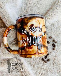 Coffee Snobs, Coffee Wine, Coffee Tumbler, Coffee Cups, Vinyl Tumblers, Custom Tumblers, Glitter Tumblers, Diy Resin Projects, Tumblr Cup