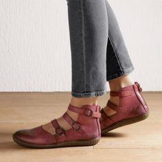 2019 Women Casual Flat Heel Adjustable Buckle Shoes - All About Low Heel Sandals, Low Heels, Flat Sandals, Mode Ab 50, Zapatos Shoes, Moda Casual, Comfortable Flats, Vintage Shoes, Vintage Leather