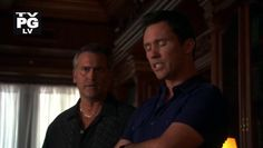 "Burn Notice 4x12 ""Guilty as Charged"" - Michael Westen (Jeffrey Donovan) & Sam Axe (Bruce Campbell)"