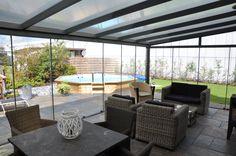 #terrasoverkapping #veranda met glasschuifwandsysteem. Frema zonwering en overkappingen www.fremazonwering.nl