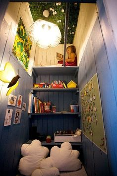 Beautiful and cozy reading spaces for kids. Find ideas for your kid's reading nook here. Reading Nook Closet, Reading Corner Kids, Closet Nook, Kid Closet, Reading Room, Closet Ideas, Reading Corners, Closet Space, Corner Closet