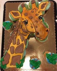 Giraffe Cupcake Cake 24 cupcakes decorated with buttercream Giraffe Birthday Cakes, Giraffe Cupcakes, Animal Cupcakes, Cute Cupcakes, Baking Cupcakes, Cupcake Cakes, Giraffe Party, Cup Cakes, Pull Apart Cupcake Cake