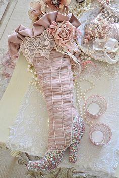 "(via beautiful stocking - Wow! | ❄ ""My"" Pink Christmas ❄)"