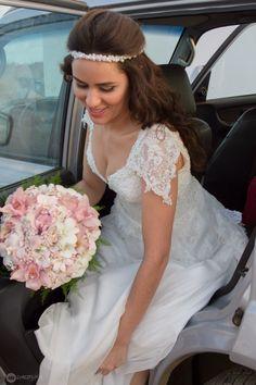 Noiva Elayne Simões com Tiara Brigitte Champagne Tulle Noivas. #noivastulle