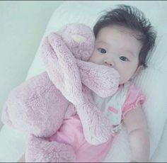 Simple Baby Names - Baby Netflix Memes - Disney Baby Gifts - Cute Asian Babies, Korean Babies, Asian Kids, Cute Babies, Cute Baby Boy, Cute Little Baby, Cute Kids, The Babys, Kids Girls