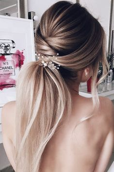 Bridal Ponytail Inspiration | Bridal Hair Accessories | Bridal Accessories | Blonde Hairstyles for Brides