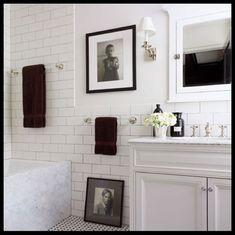 Home Decor Bathroom Richard Lambertson and John Truex's Classic Manhattan Apartment.Home Decor Bathroom Richard Lambertson and John Truex's Classic Manhattan Apartment Bad Inspiration, Bathroom Inspiration, Classic Bathroom, Bathroom Black, Bathroom Modern, Master Bathroom, Brick Bathroom, Guest Bathrooms, French Bathroom