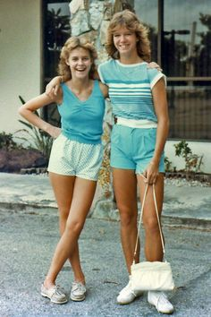 Vintage Everyday Life: Young Fashion in the US – 29 Color Photos of American Teen Girls in the - Looks are Everything 1980s Fashion Trends, 80s And 90s Fashion, Young Fashion, Teen Fashion, Womens Fashion, Farm Dress, Teenager Mode, Patti Hansen, Casual Chique