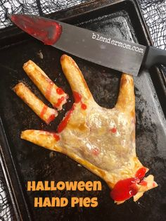 Easy Halloween Hand Pies Recipe + Giveaway – A Blender Mom - Holiday Entree Halloween, Buffet Halloween, Dessert Halloween, Creepy Halloween Food, Halloween Party Appetizers, Halloween Food For Party, Halloween Treats, Halloween Recipe, Halloween Food Recipes