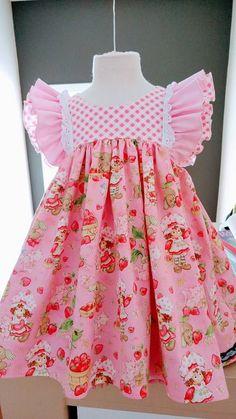 Stylish Dresses For Girls, Little Girl Outfits, Little Dresses, Little Girl Dresses, Kids Outfits, Girls Dresses, Frilly Dresses, Baby Dresses, Girls Frock Design