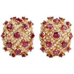 Preowned 1980 Ruby Diamond Yellow 18 Karat Gold Clip-on Earrings (€4.270) ❤ liked on Polyvore featuring jewelry, earrings, hoop earrings, yellow, yellow diamond earrings, diamond hoop earrings, diamond clip on earrings, ruby hoop earrings and vintage clip earrings