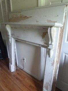 Victorian Chippy Shabby Chic Painted Vintage Antique Fireplace Mantel Mantle OH … Victoriano Chippy Shabby Chic pintado vintage antiguo chimenea … Shabby Chic Fireplace, Farmhouse Fireplace Mantels, Vintage Fireplace, Fake Fireplace, Shabby Chic Farmhouse, Shabby Chic Kitchen, Fireplaces, Vintage Mantle, Fireplace Fronts