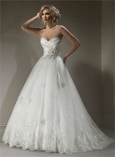 A-line Strapless V-neck With Beadings Appliques Tulle Wedding Dress WD1749