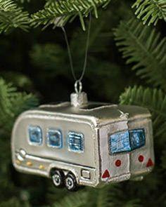 VINTAGE AIRSTREAM TRAILER EUROPEAN BLOWN GLASS CHRISTMAS TREE ORNAMENT CAMPER
