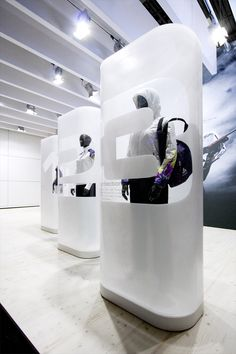 O♂ Creative Commercial design visual merchandising DLO_ISPO11_A12