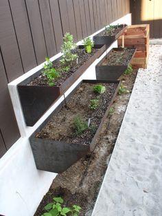 Steel garden planters