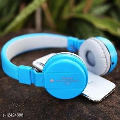 Wired Headphones & Earphones Editrix Sh12 Wireless Bluetooth Headset (Blue) Product Name: Editrix Sh12 Wireless Bluetooth Headset (Blue) Brand Name: Editrix Material: Plastic Product Type: Foldable over the head Type: Over The Ear Compatibility: All Smartphones Multipack: 1 Color: Blue Mic: Yes Bluetooth Version: 4.1 Warranty_Period: 1 Month Brand Warranty Warranty_Type: Carry In Operating Voltage: 10 Volts Charging Type: Micro USB Battery Charge Time: 1 Hour Battery Backup: 6 Hours Frequency: 10 Hz Control Button: Yes Play Time: 10 Hours Dynamic Driver: 30 mm Transmission Distance: 10 Mtr Noise Cancelling: No Service Type: Repair or Replacement Sports Earphones: Yes Sweat Proof: Yes Water Resistant: No Sizes:  Free Size Country of Origin: India Sizes Available: Free Size   Catalog Rating: ★4 (3207)  Catalog Name: Editrix Bluetooth Headphones & Earphones CatalogID_2392796 C97-SC1375 Code: 894-12424888-0411