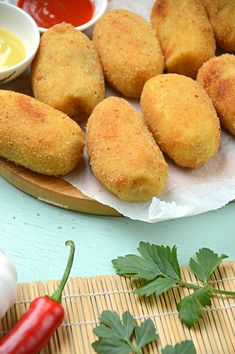 Party Snacks, Appetizers For Party, Good Food, Yummy Food, Tasty, Vegetarian Recipes, Cooking Recipes, Indonesian Food, Indonesian Recipes