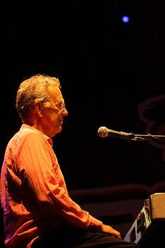 Ray Manzarek co-founder of The Doors dead at age 74.