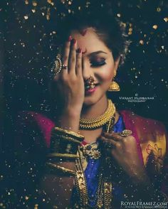 how much does indian wedding photography cost Indian Bridal Photos, Indian Wedding Pictures, Indian Wedding Bride, Saree Photoshoot, Bridal Photoshoot, Marathi Bride, Marathi Wedding, Saree Wedding, Marathi Saree
