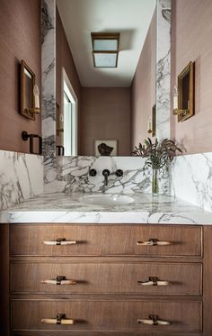 Looking for Bathroom and Powder Room ideas? Browse Bathroom and Powder Room images for decor, layout, furniture, and storage inspiration from HGTV. Bad Inspiration, Bathroom Inspiration, Tuesday Inspiration, Bathroom Interior Design, Home Interior, Small Bathroom, Master Bathroom, Bathroom Things, Bathrooms Decor