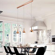 Mit der Designer Pendelleuchte Khalifa Kupfer zaubern Sie auf höchst moderne Art und Weise orientalisches Flair in Ihr Heim.