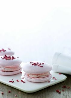 Camilla Lawes Macarons WITH RASPBERRY CREAM