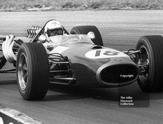 Guy Ligier, #Brabham BT20, Copse Corner, Silverstone, 1967 British Grand Prix. #f1 #formula1